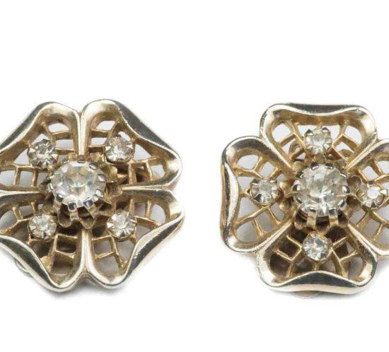 orecchini fiore dorato e cristalli 1