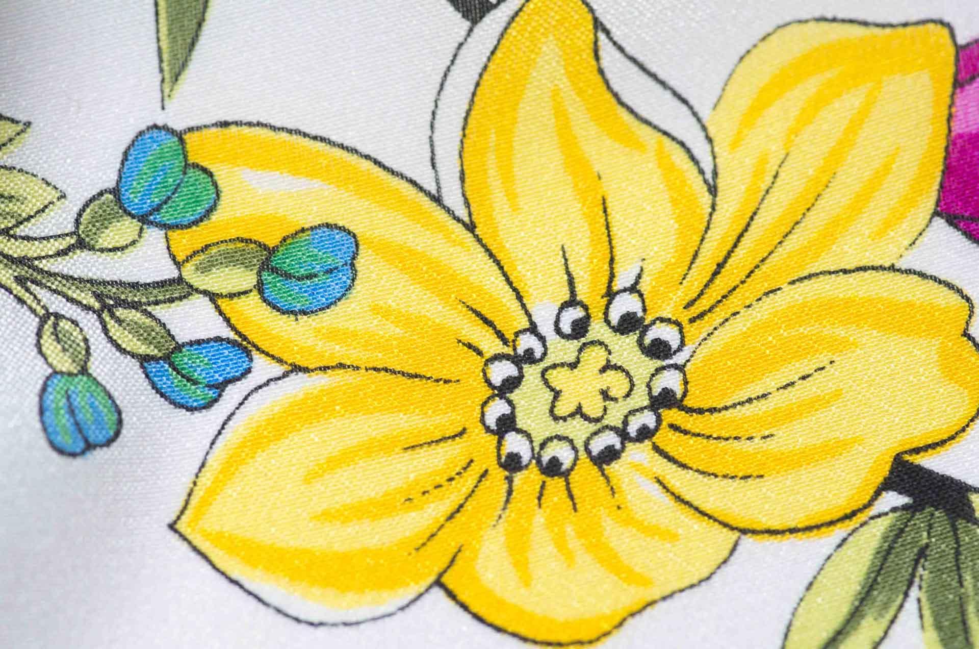 foulard con fiori in seta 6