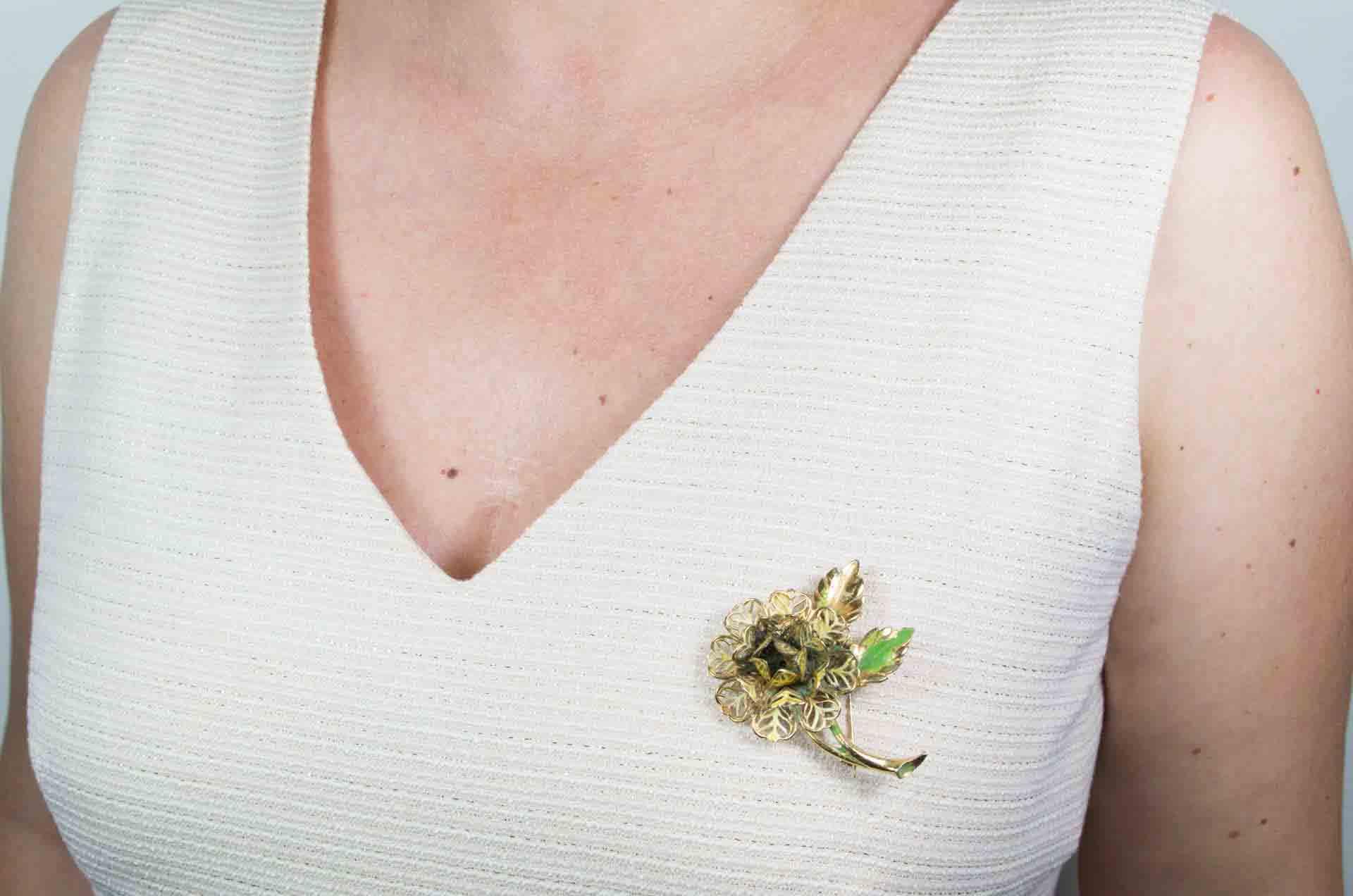 spilla fiore dorato 9
