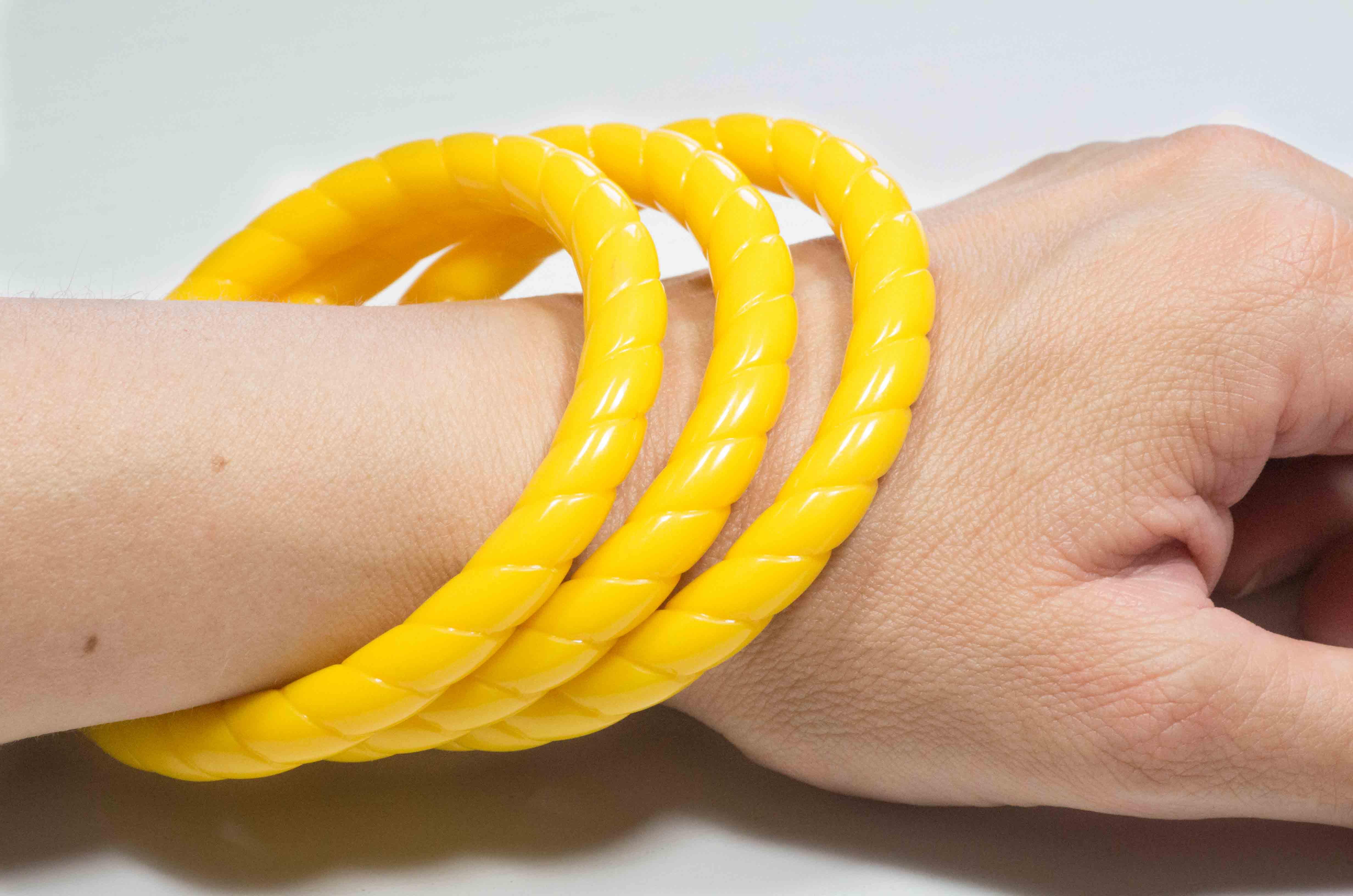 set di 3 bracciali gialli 5