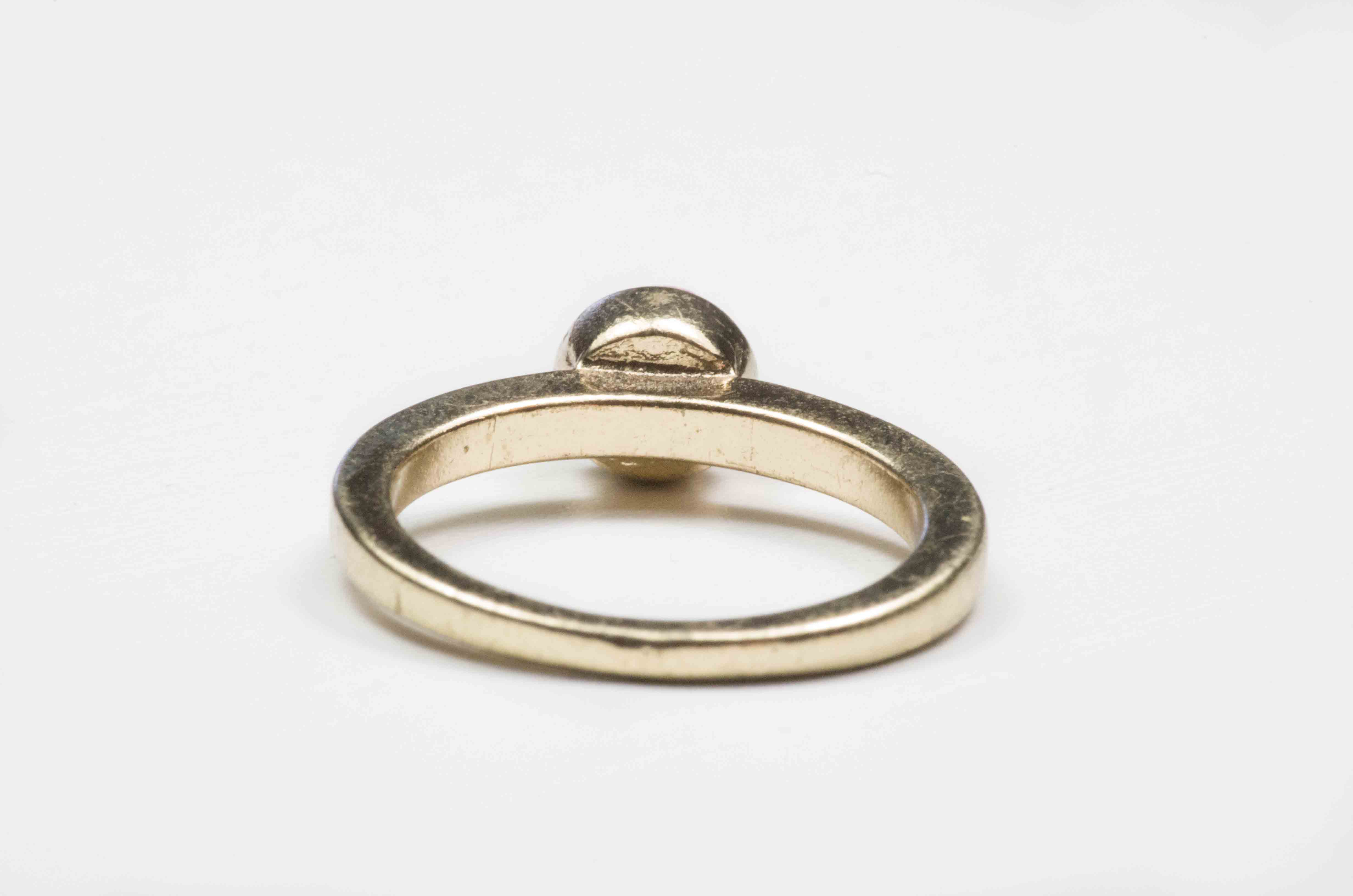 anello solitario con pietra rosa 4