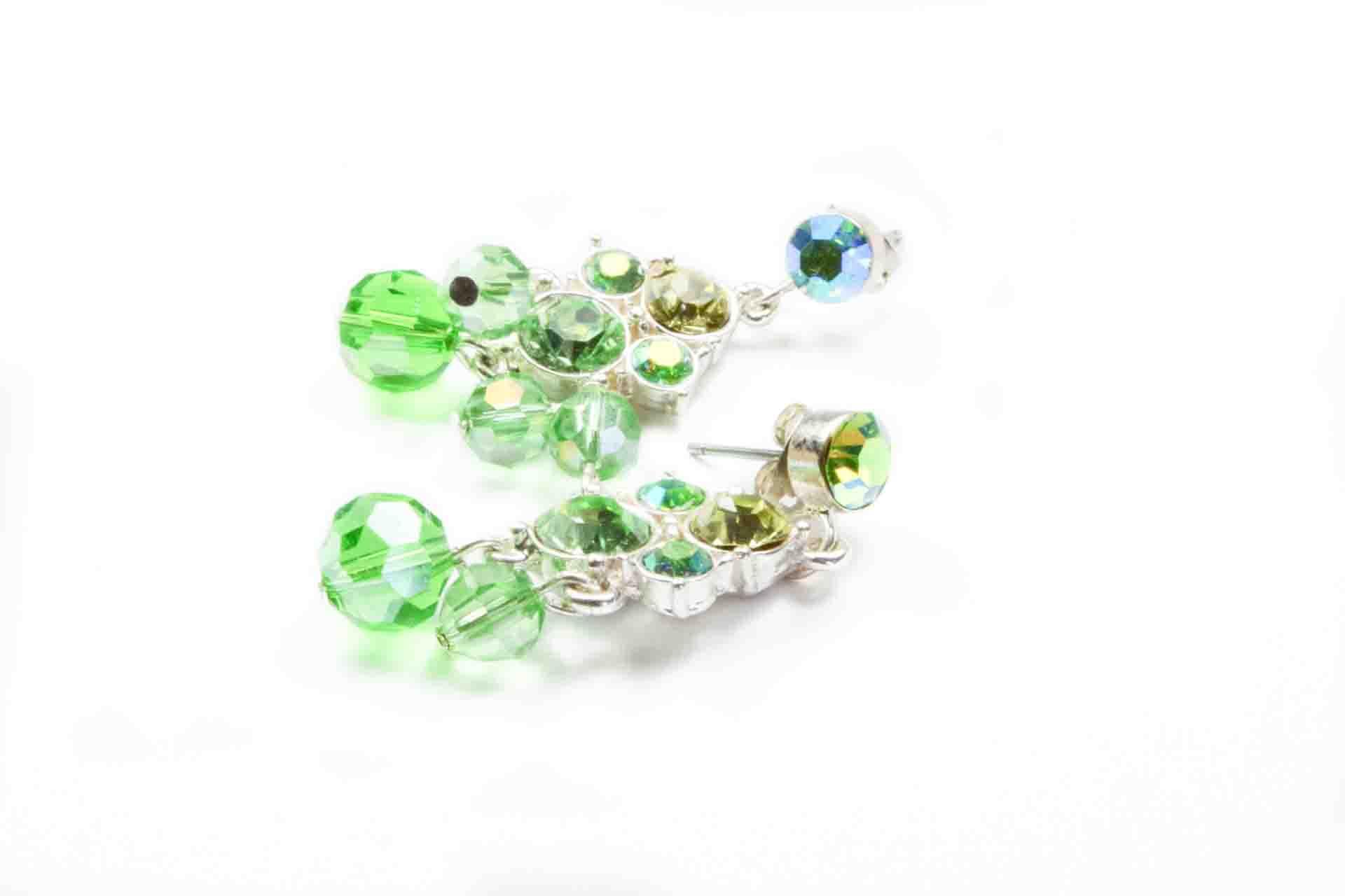 orecchini pendenti verdi 1