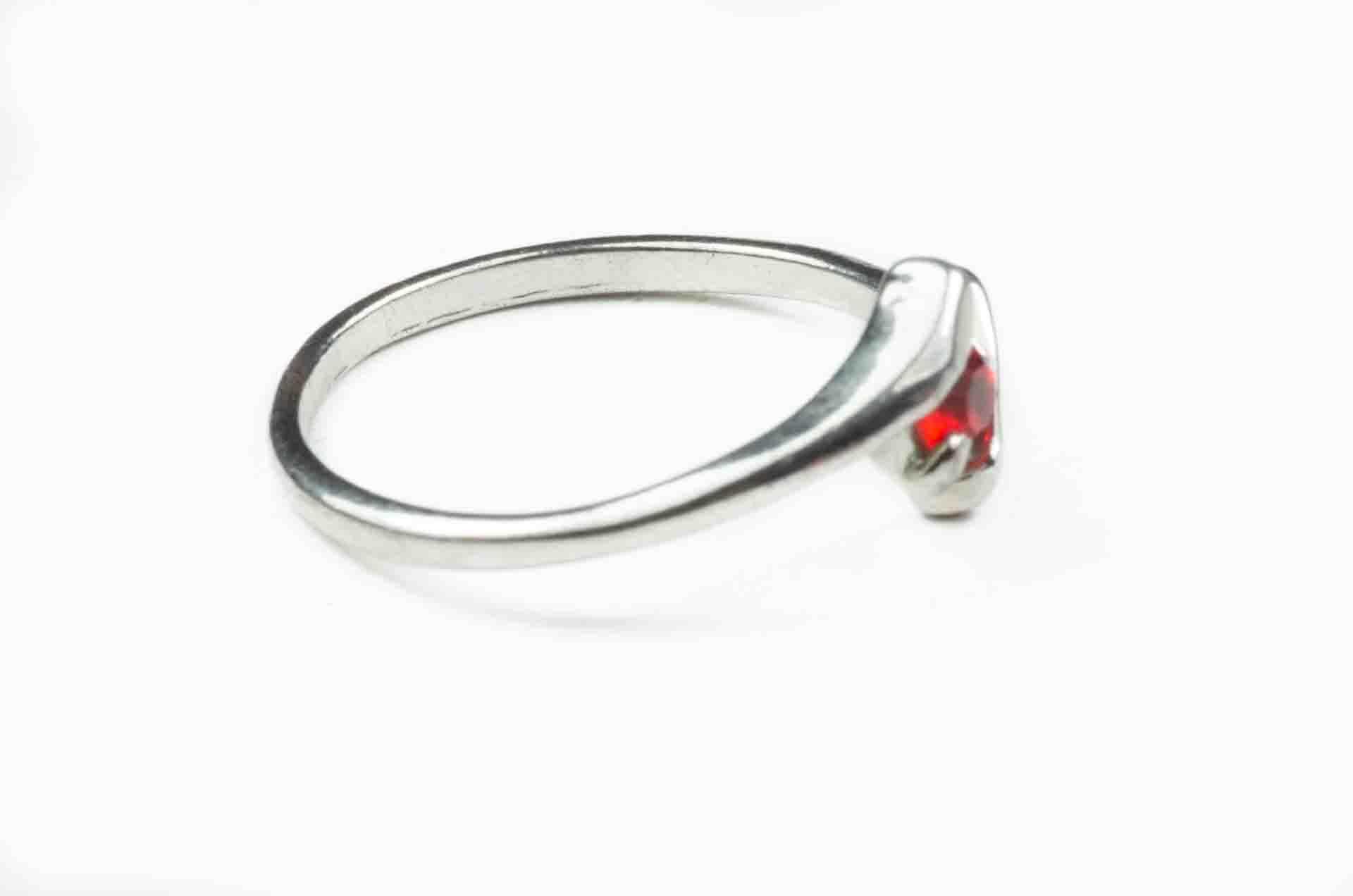 anello pietra rossa 5