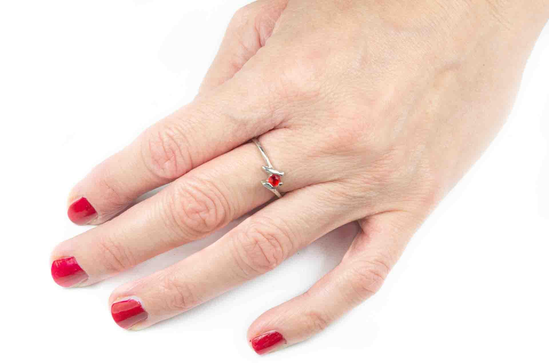 anello pietra rossa 8