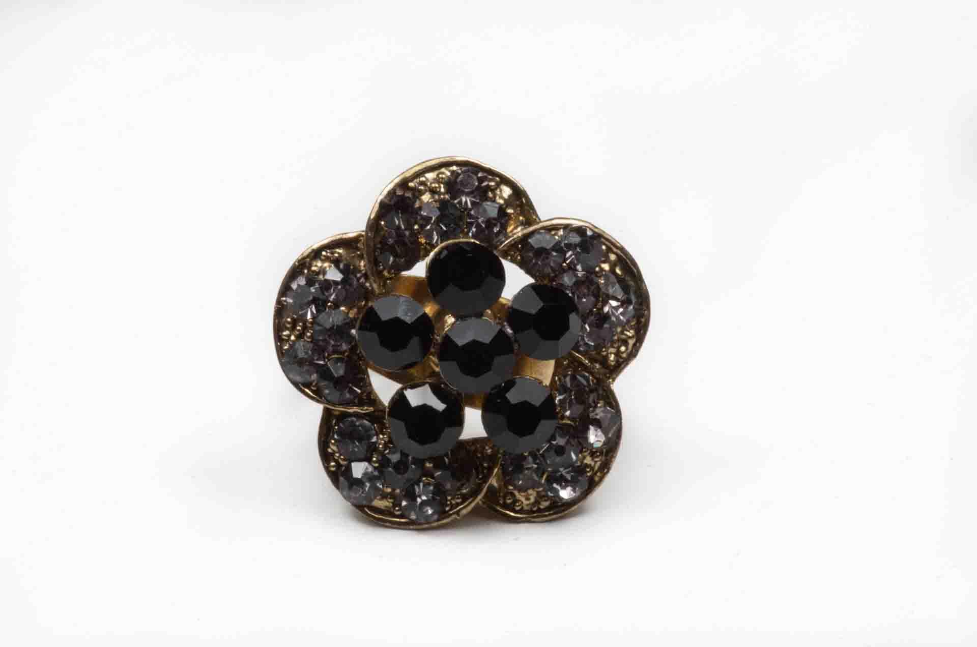 anello fiore pietre nere 2
