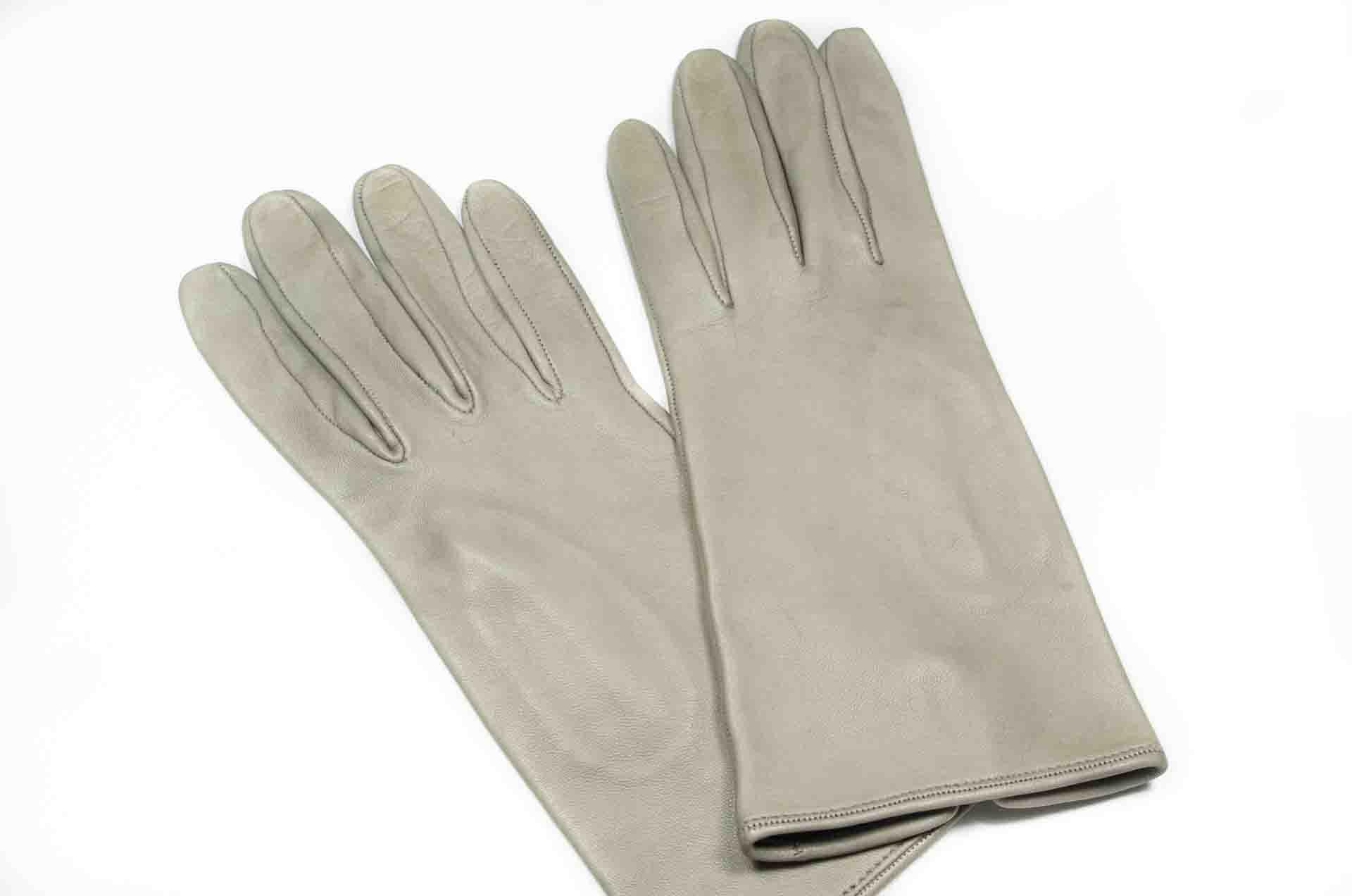 guanti in pelle grigi 1