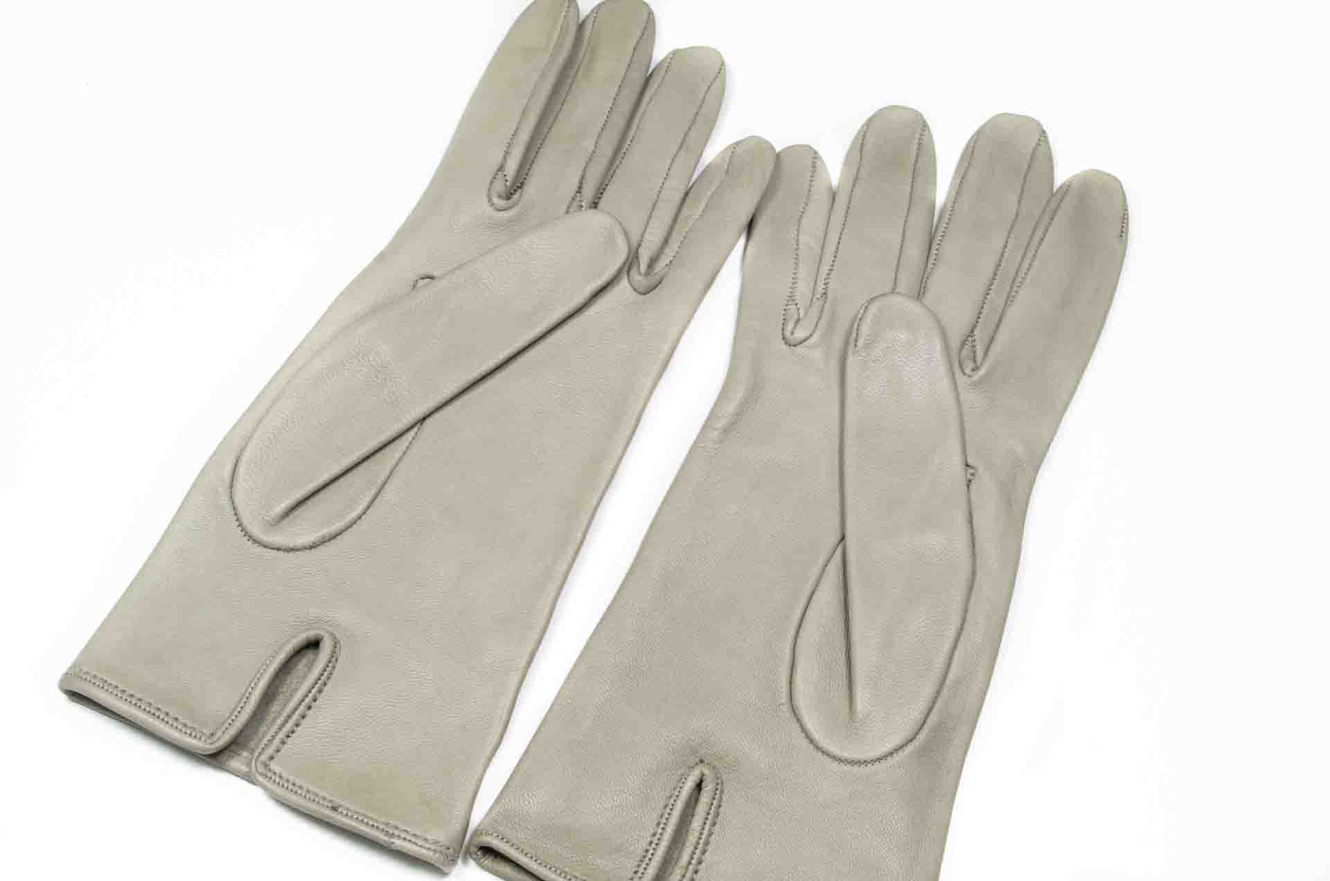 guanti in pelle grigi 2