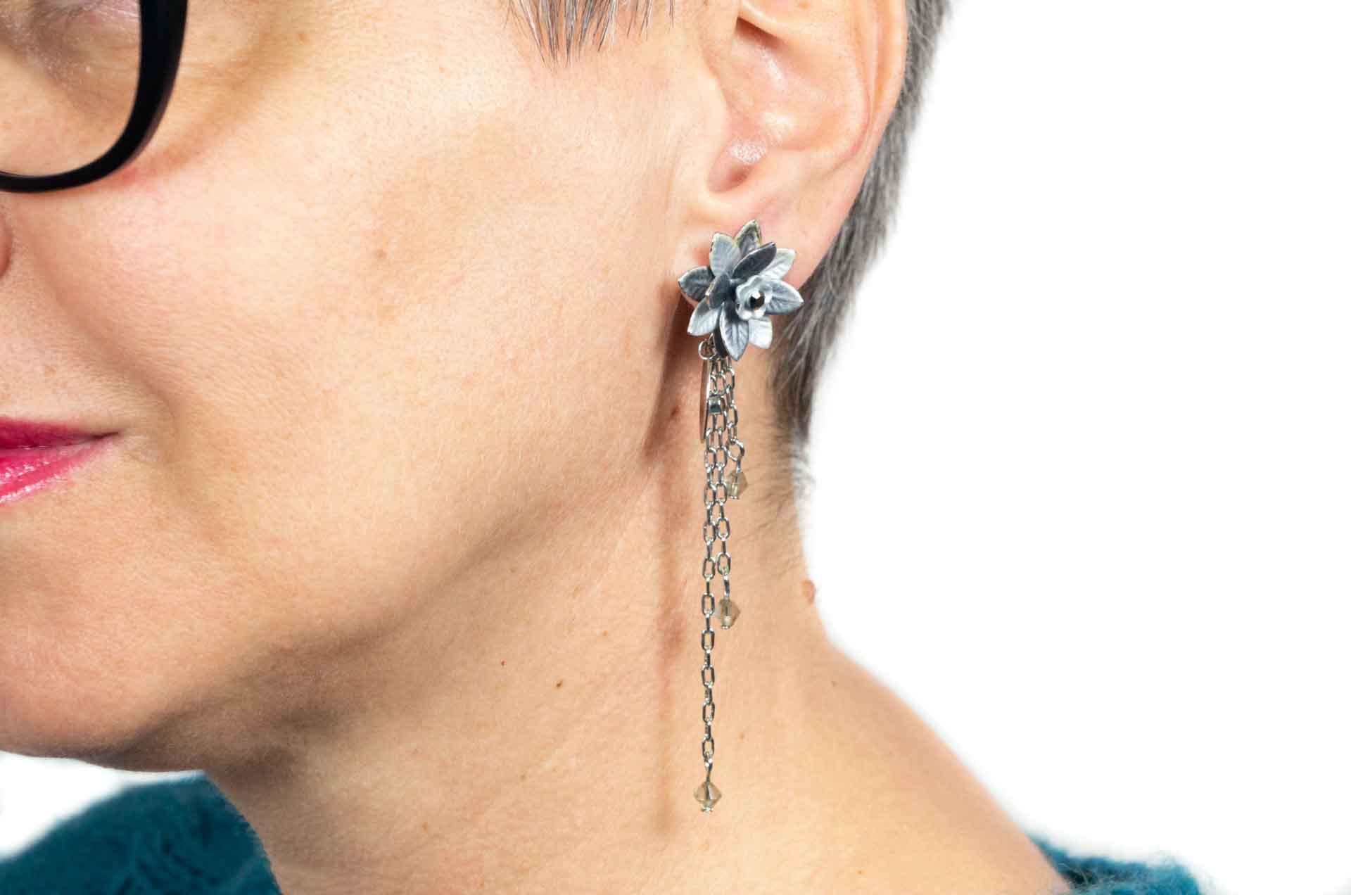 orecchini fiore grigio 7