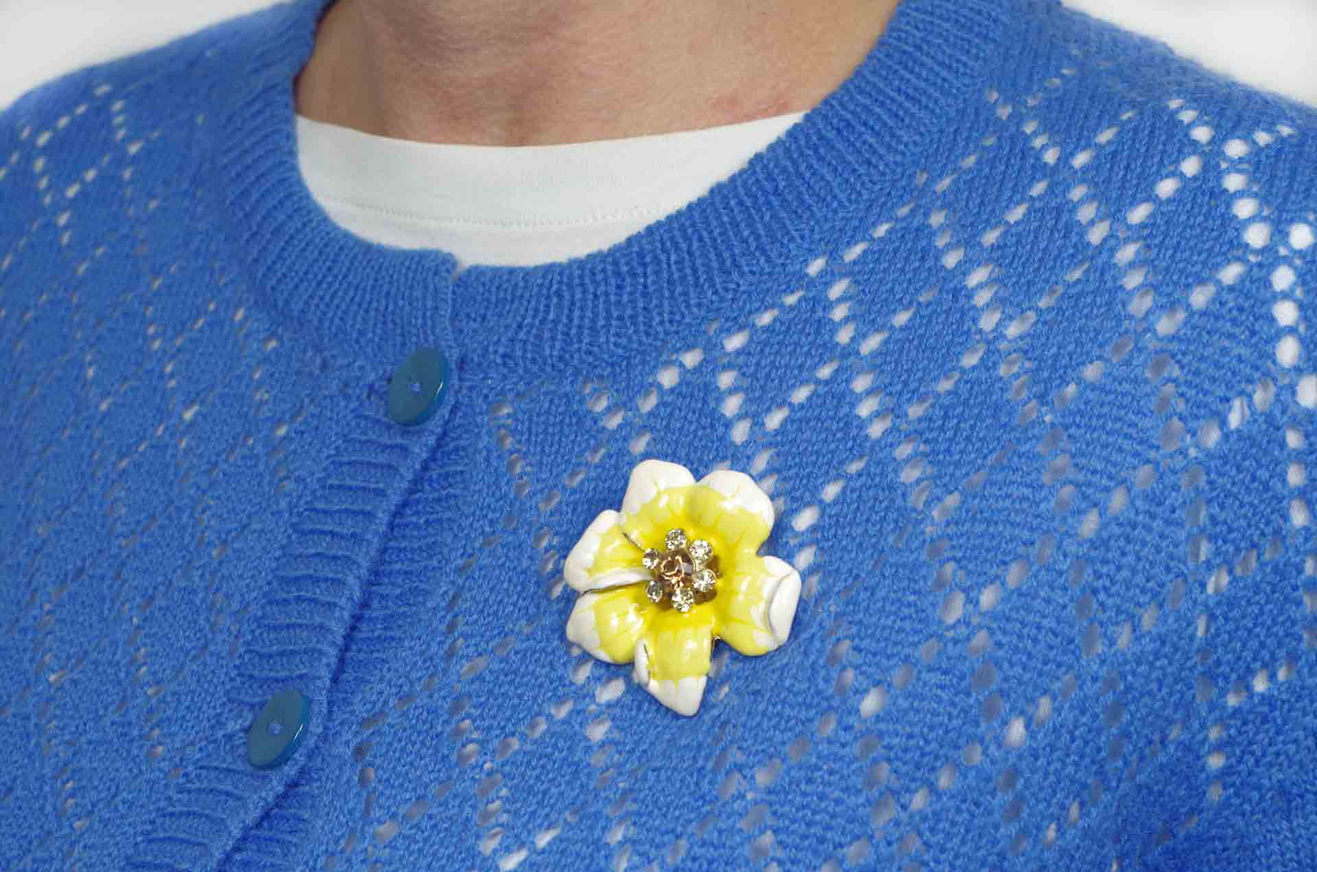 spilla fiore smalto giallo 12