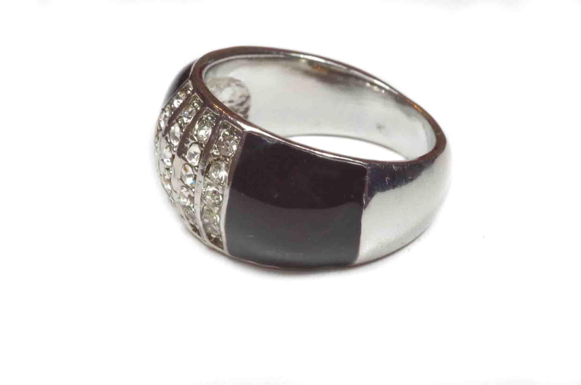anello in smalto nero 2