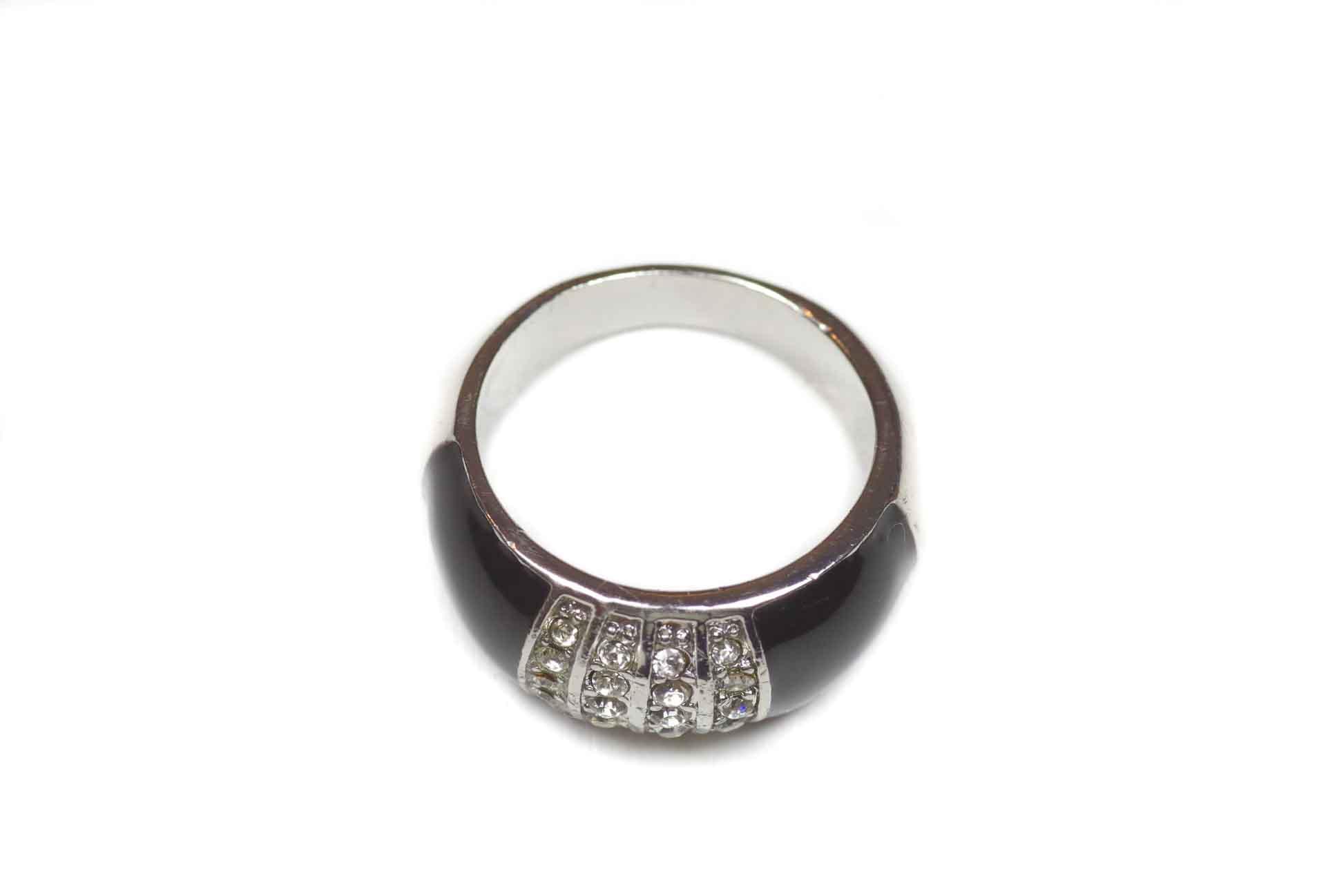 anello in smalto nero 5
