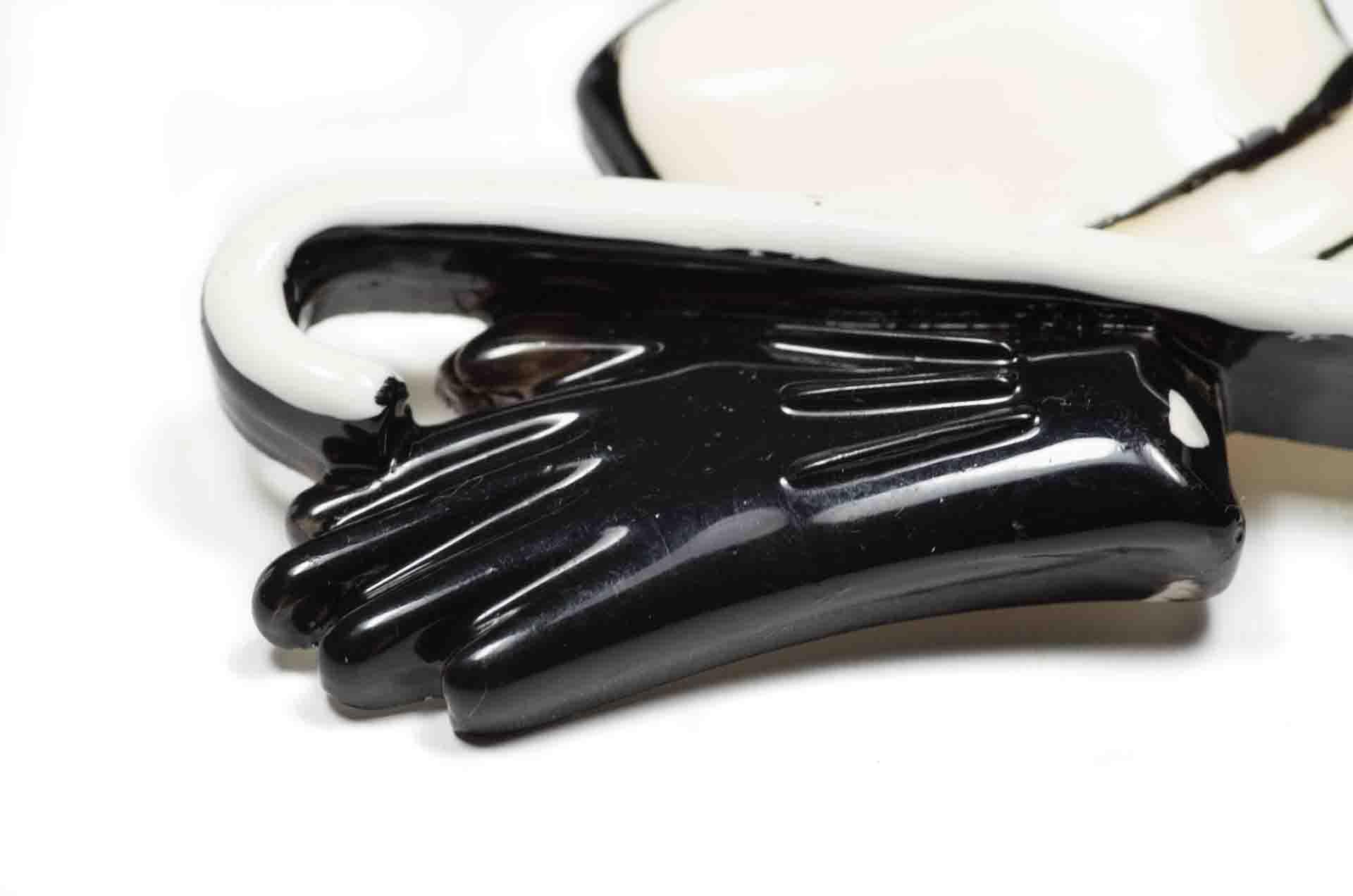 spilla bianca nera 2