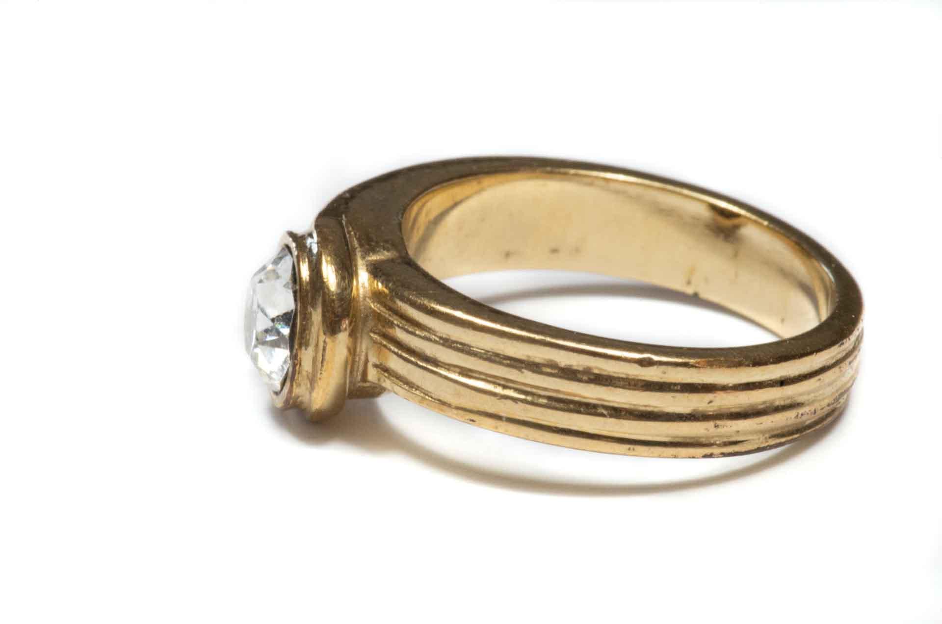 anello dorato 3