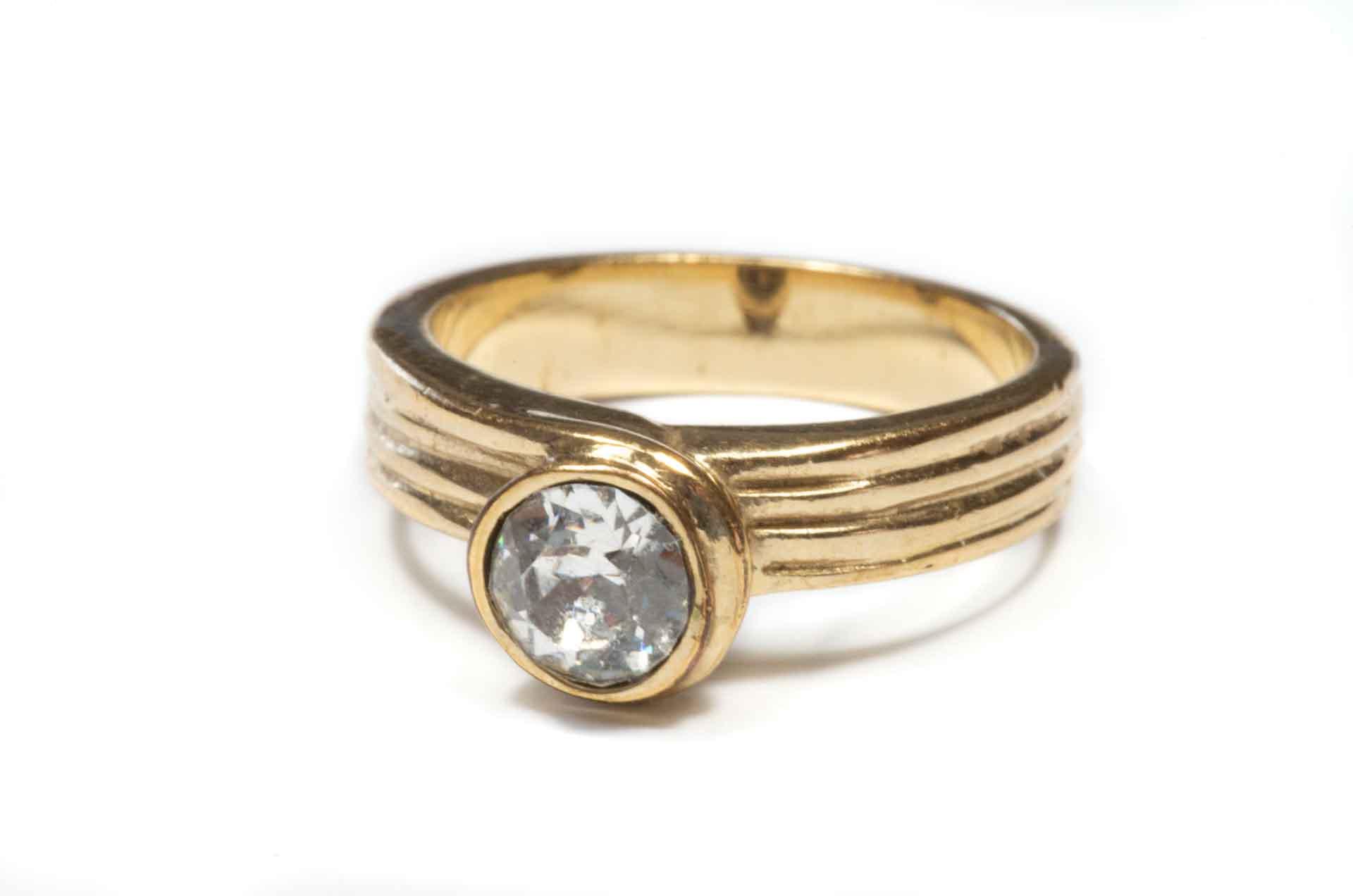anello dorato 5