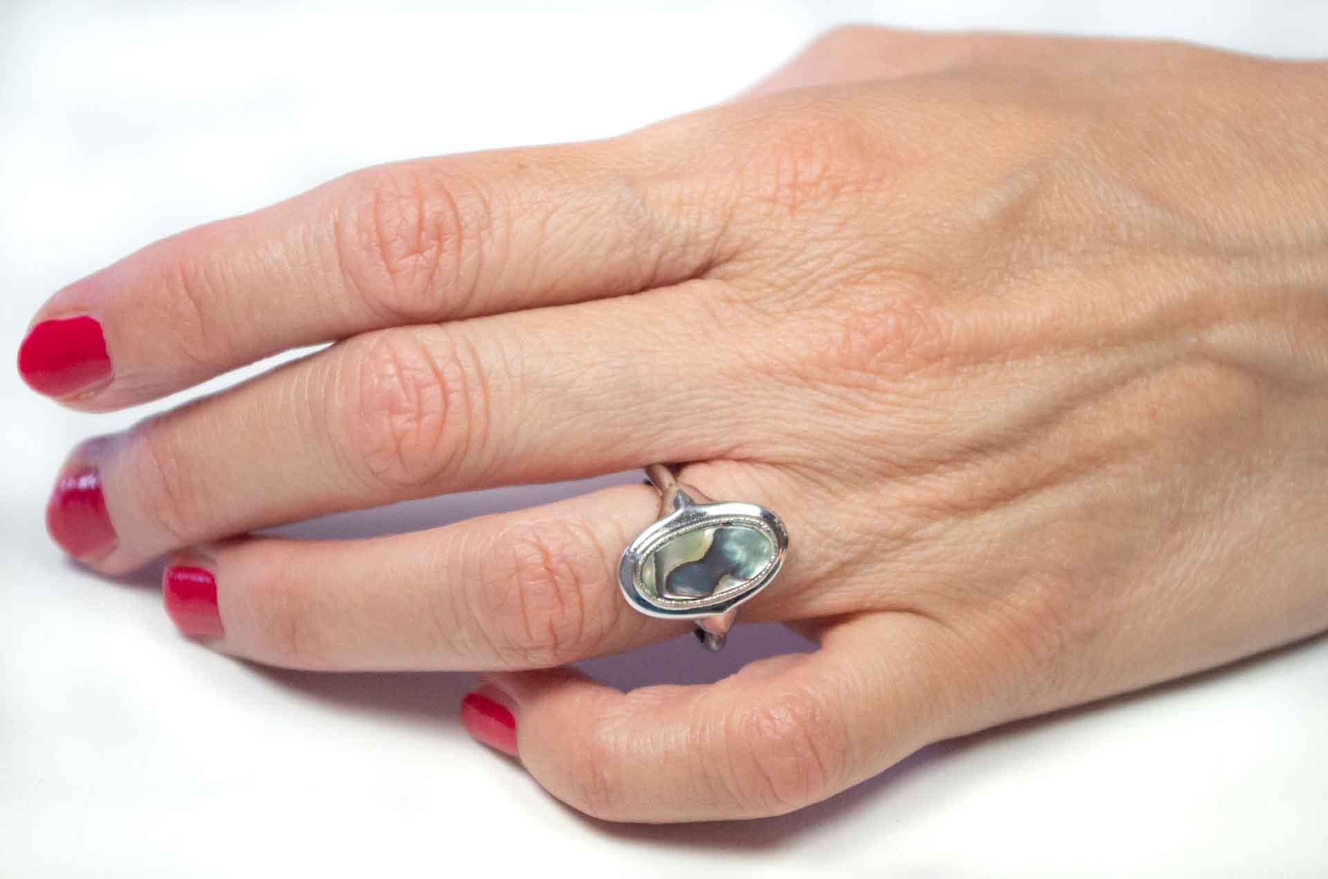 anello avon madreperla 2